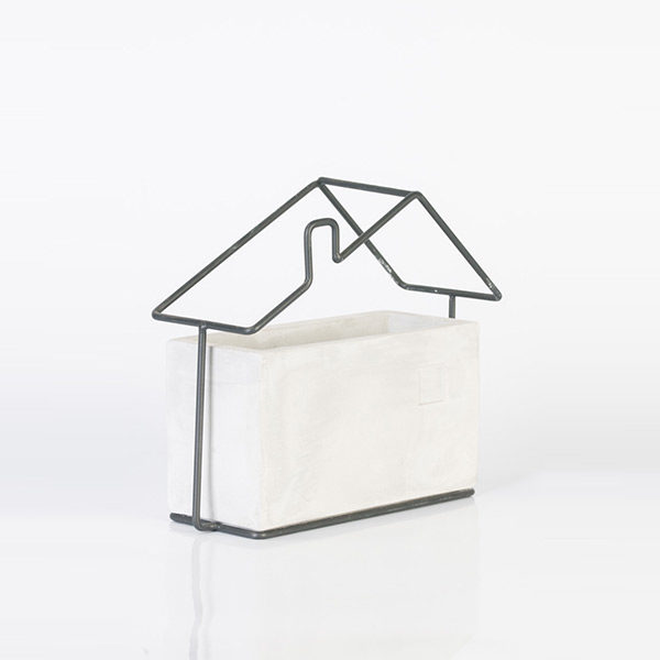 house-frame-with-vase-wide1-1