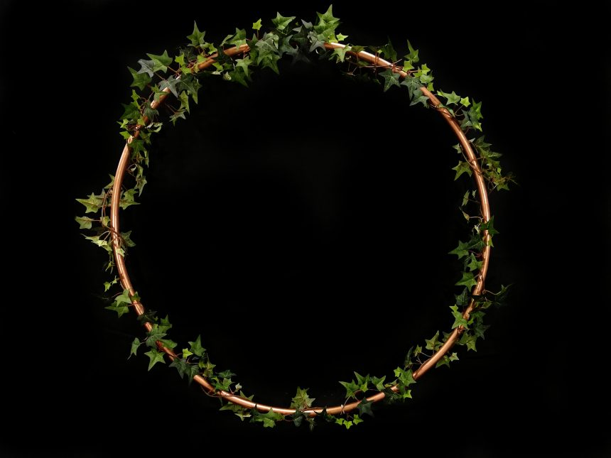 How to make a wreath hula hoop